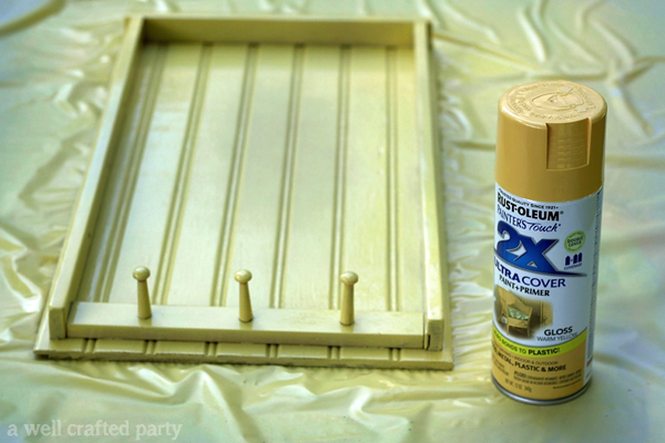 DIY Sunscreen Reminder Station by A Well Crafted Party on TodaysCreativeBlog.net