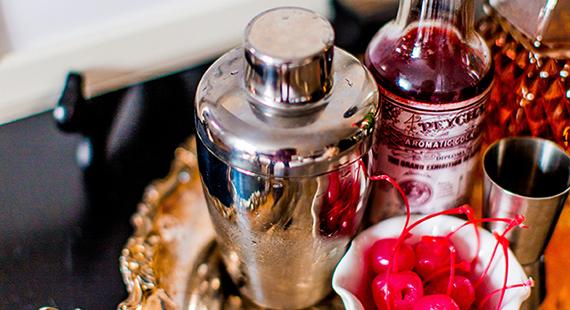 Saturday Spirits: Classic Manhattan