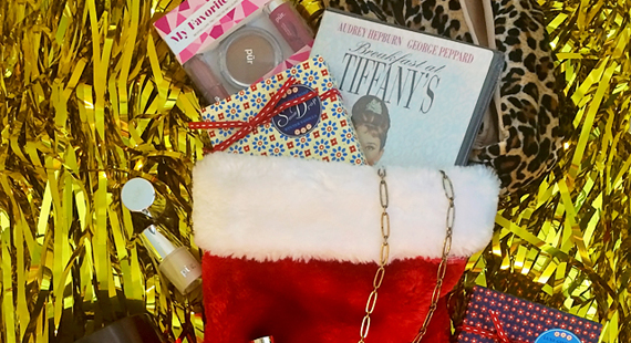 Gift-Guides-Stocking-Stuffers-featured