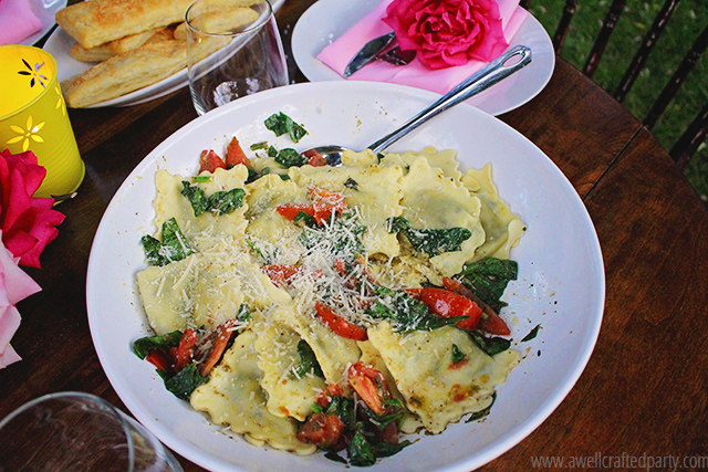 Stuffed Ravioli with Spinach, Tomato and Pesto - A Well Crafted Party